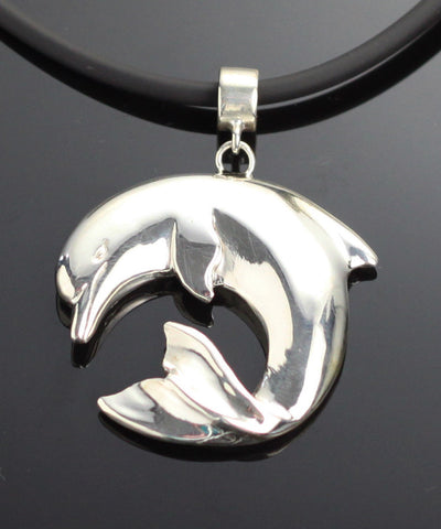 Curved Dolphin Pendant – S1018