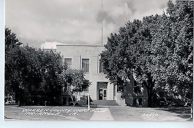 Vintage Postcard of The Warren County Court House in Indianola, IA