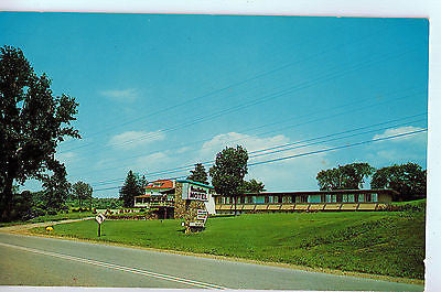 Vintage Postcard of The Hearthstone Motel, Red Hook, NY $10.00