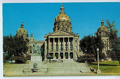 Vintage Postcard of The State Capitol in Des Moines, Iowa $10.00