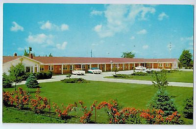 Vintage Postcard of Del Rancho Motel Gibson City, IL $10.00