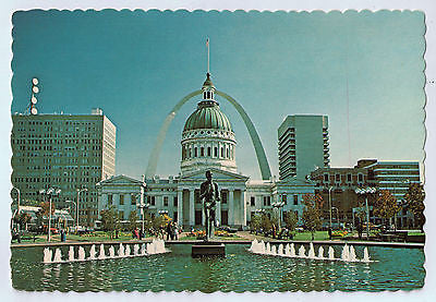 Vintage Postcard of St. Louis Arch and Court House in Missouri $10.00