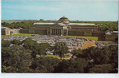 Vintage Postcard of The Worlds Most Popular Museum in Chicago, IL $10.00