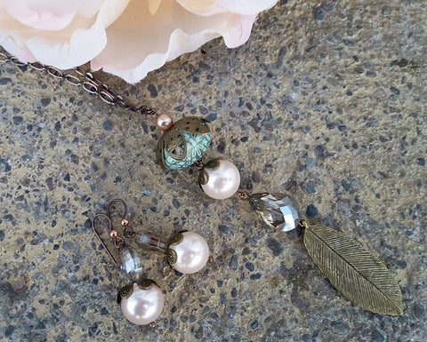 Blushing Rose Shell Pearl and Vintage Bauble Gift Set