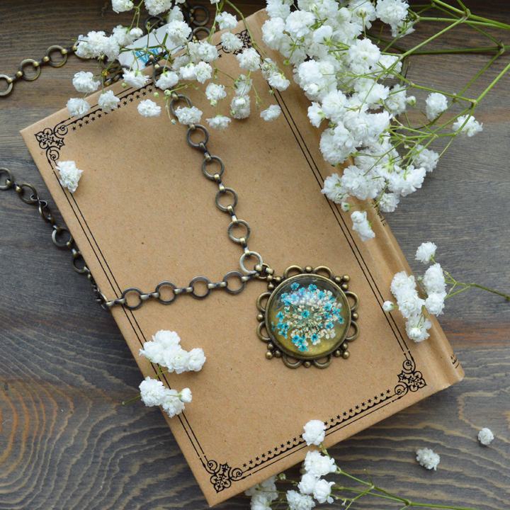 Flower the Globe in Blue Long Compass Necklace