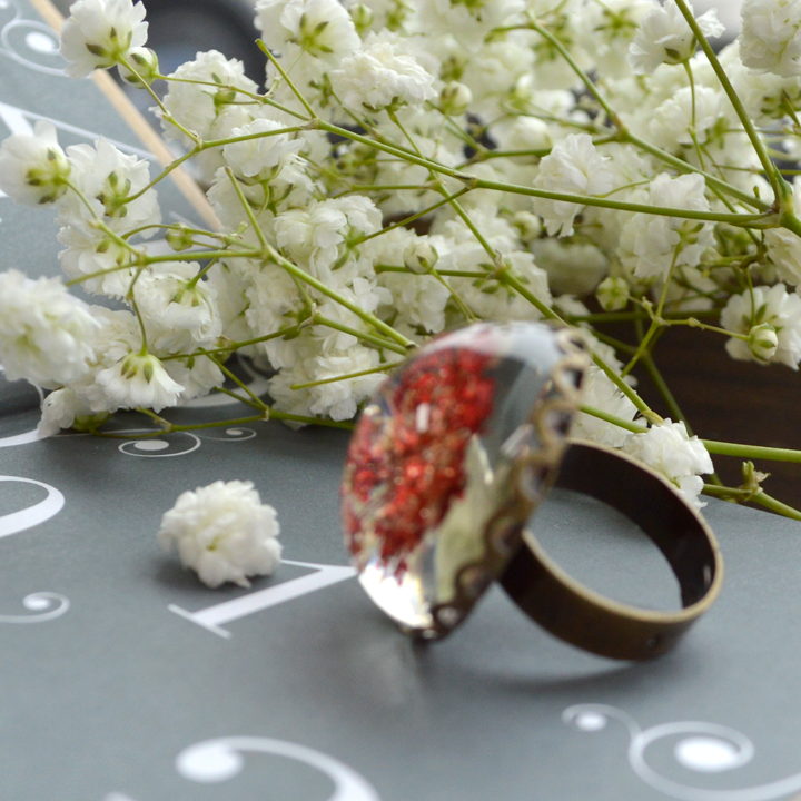 Flower the Globe in Poppy Filigree Ring