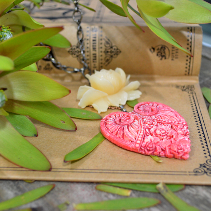 Strawberry Cream Untamed Heart Necklace