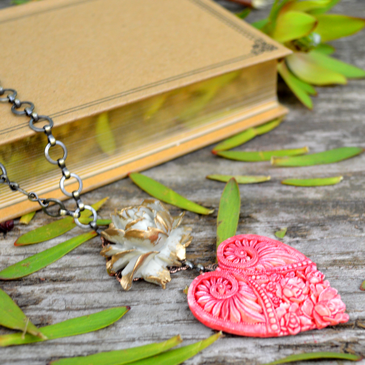 Sand & Sunsets Untamed Heart Necklace