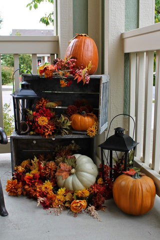 fall-porch-decorating-ideas-pumpkin-crates