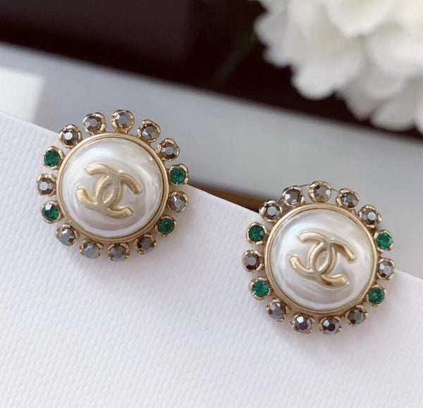 Chanel renaissance vintage crystal emerald earring studs round