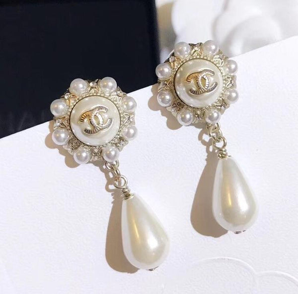 Chanel pearl dangle earrings