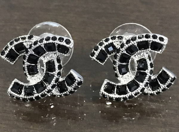 CHANEL STRASS EARRING STUDS