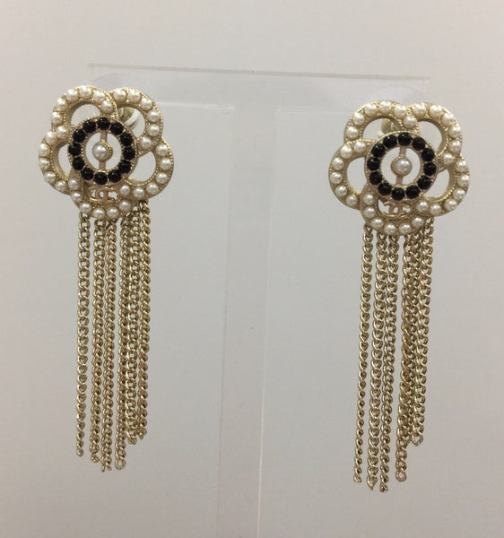 CHANEL EARRINGS BLACK J11900