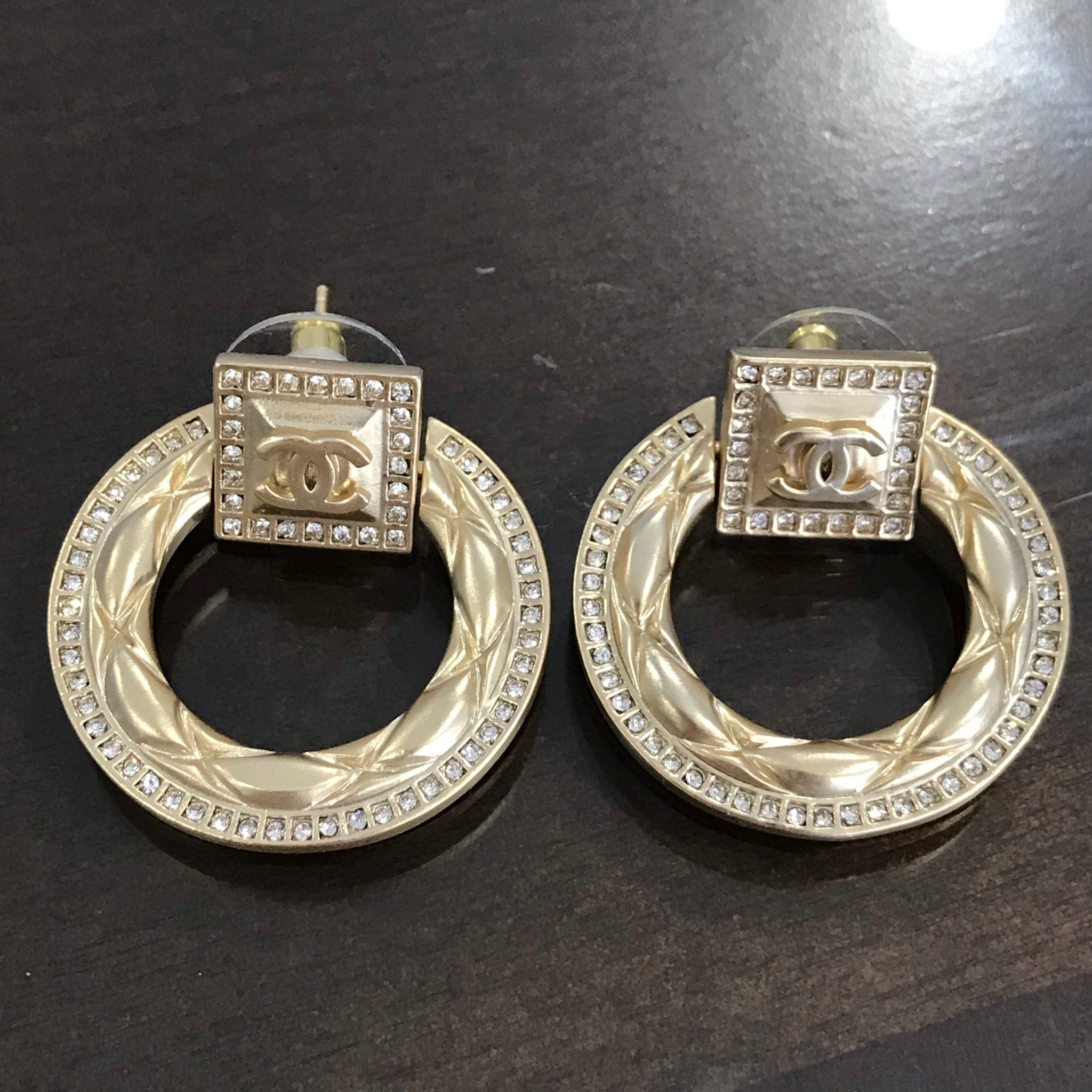CHANEL VINTAGE GOLD TAG CIRCLE EARRINGS