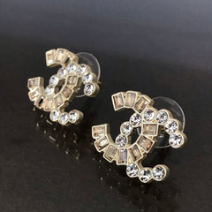 CHANEL EARRING STUDS