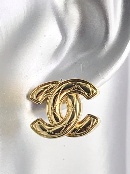 CHANEL CC logo GOLD EARRING STUDS