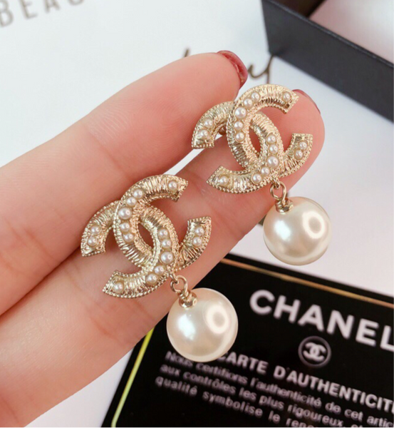 Chanel Pearl cc logo Metal Choker Necklace/ Earrings/Earring Studs Set