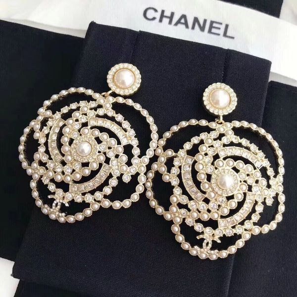 CHANEL CAMELLIA 2019 PEARL STRASS FLOWER EARRINGS