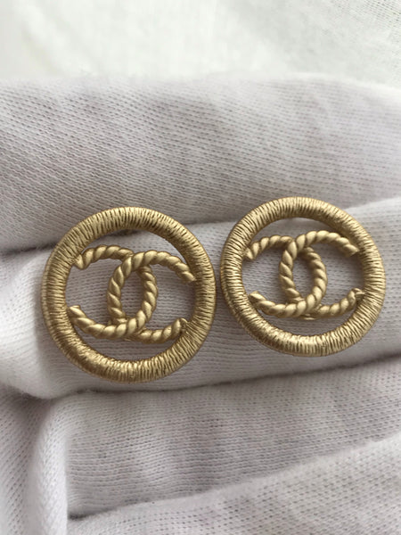CHANEL CC BUTTON EARRING STUDS round GOLD TONE