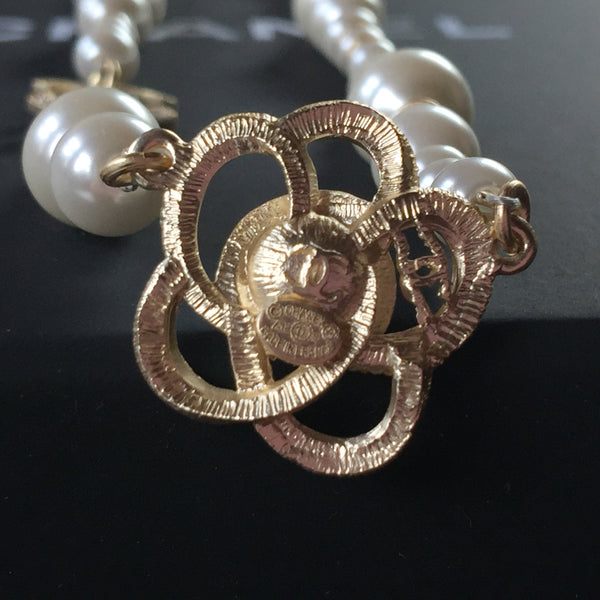 CHANEL PEARL PENDANT NECKLACE