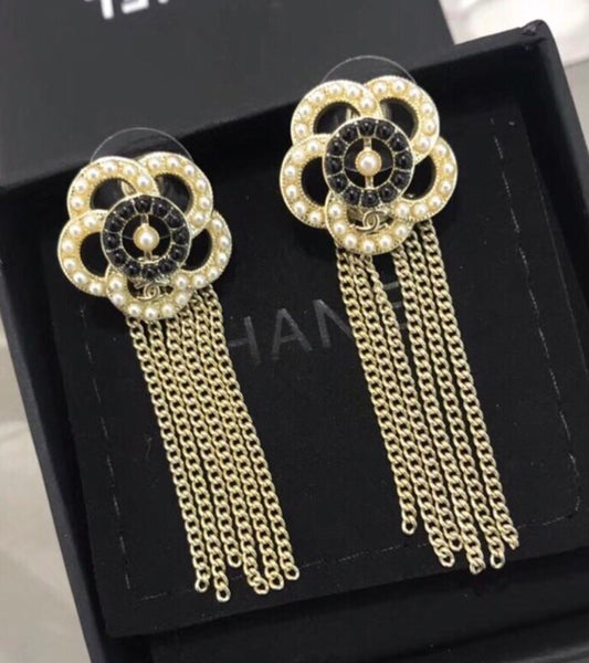 CHANEL CAMELLIA DANGLE EARRINGS BLACK J11900