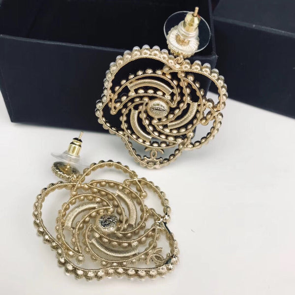 CHANEL PEARL STRASS FLOWER EARRINGS CAMELLIA 2019