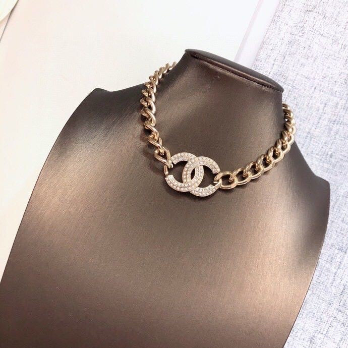 CHANEL Choker Necklace / Bracelet