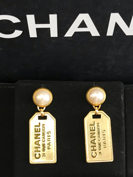 CHANEL EARRINGS PERAL 31 RUE CAMBON PARIS DANGLE