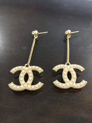 CHANEL CC PEARL DROP DANGLE EARRINGS