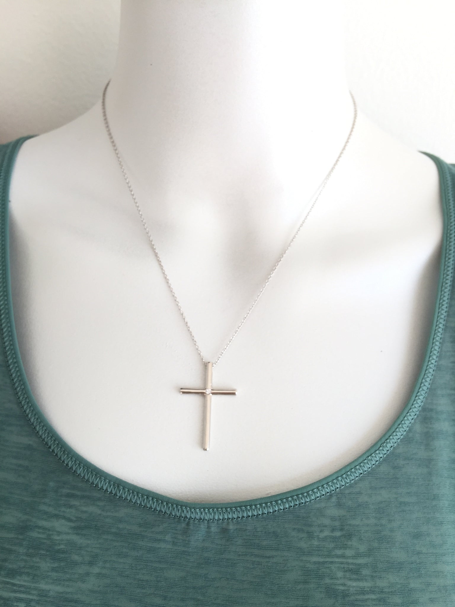 Tiffany &Co. cross diamond pendant necklace