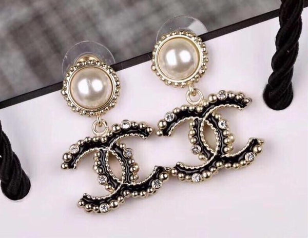 CHANEL CC METAL STRASS PEARL EARRINGS