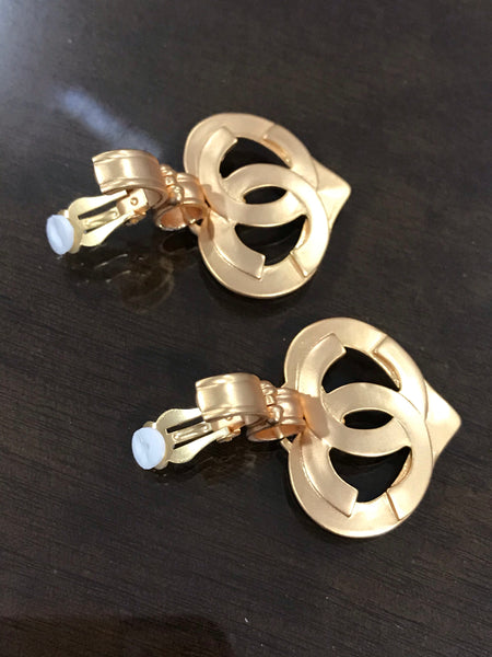 Chanel vintage gold heart clip on earrings