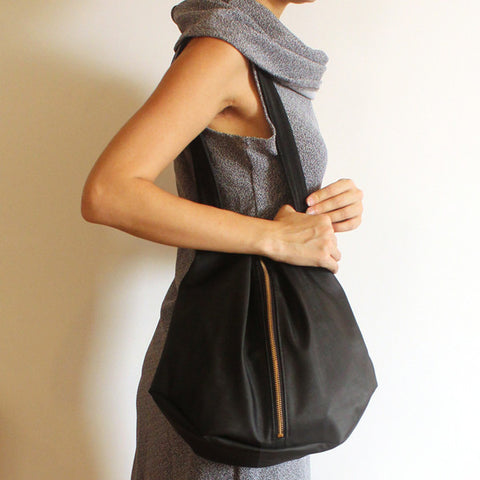 ROME tote, black tote bag with zipper for everyday use - Petrushka Studio - 1