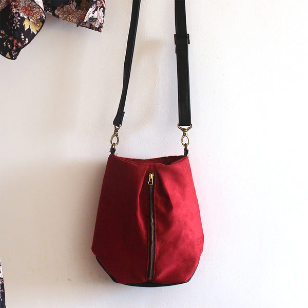 CITY BUCKET BAG, Red Crossbody Bag. Vegan bag by Petrushka studio.