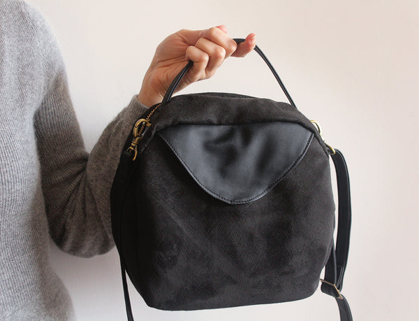 Tokyo bag, vegan crossbody bag for modern woman by Petrushka studio