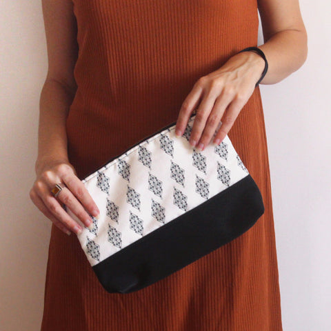 CHICAGO CLUTCH BAG, simple and classic  black and white evening bag.