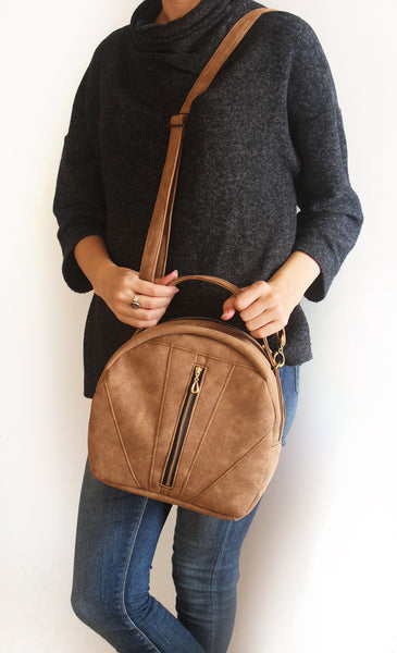 TOULOUSE BAG, camel brown crossbody bag. Vegan bag by Petrushka studio