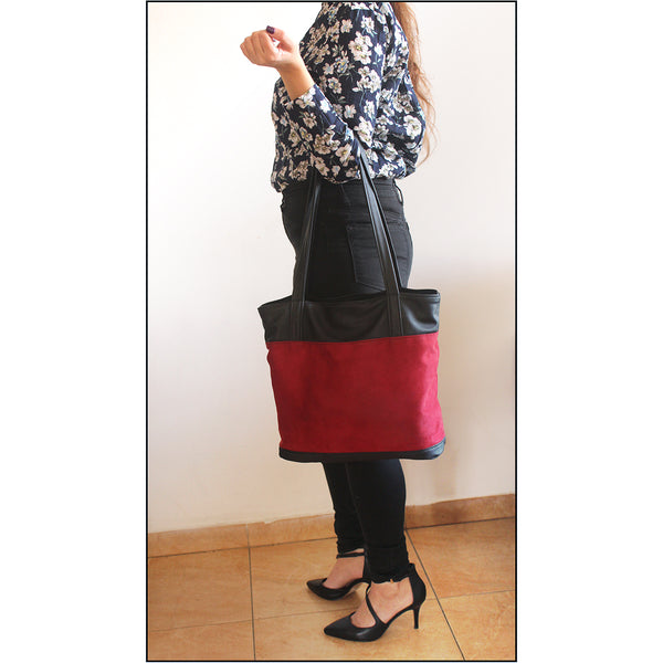 Classic red tote bag with zipper closer. Vegan tote bag by Petrushka studio