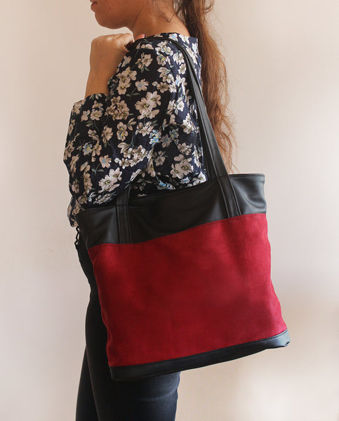 Classic red tote bag with zipper closer. - Vegan tote bag by Petrushka studio