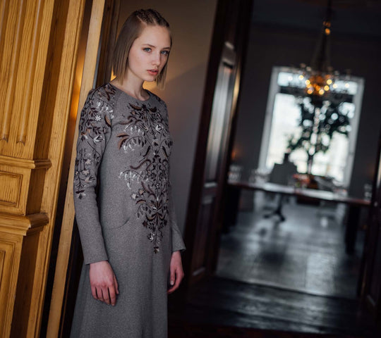 AMANJEDA MUHU COUTURE IN PÄDASTE MANOR