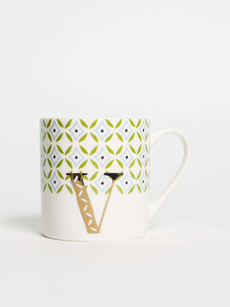 Alphabet Can Mug V - Car & Kitchen