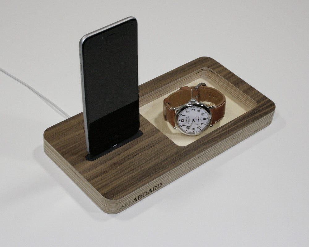 the allaboard docking station and desk organizer wudzee
