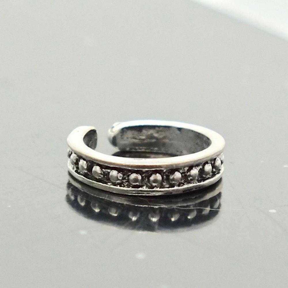 Dot Toe Ring