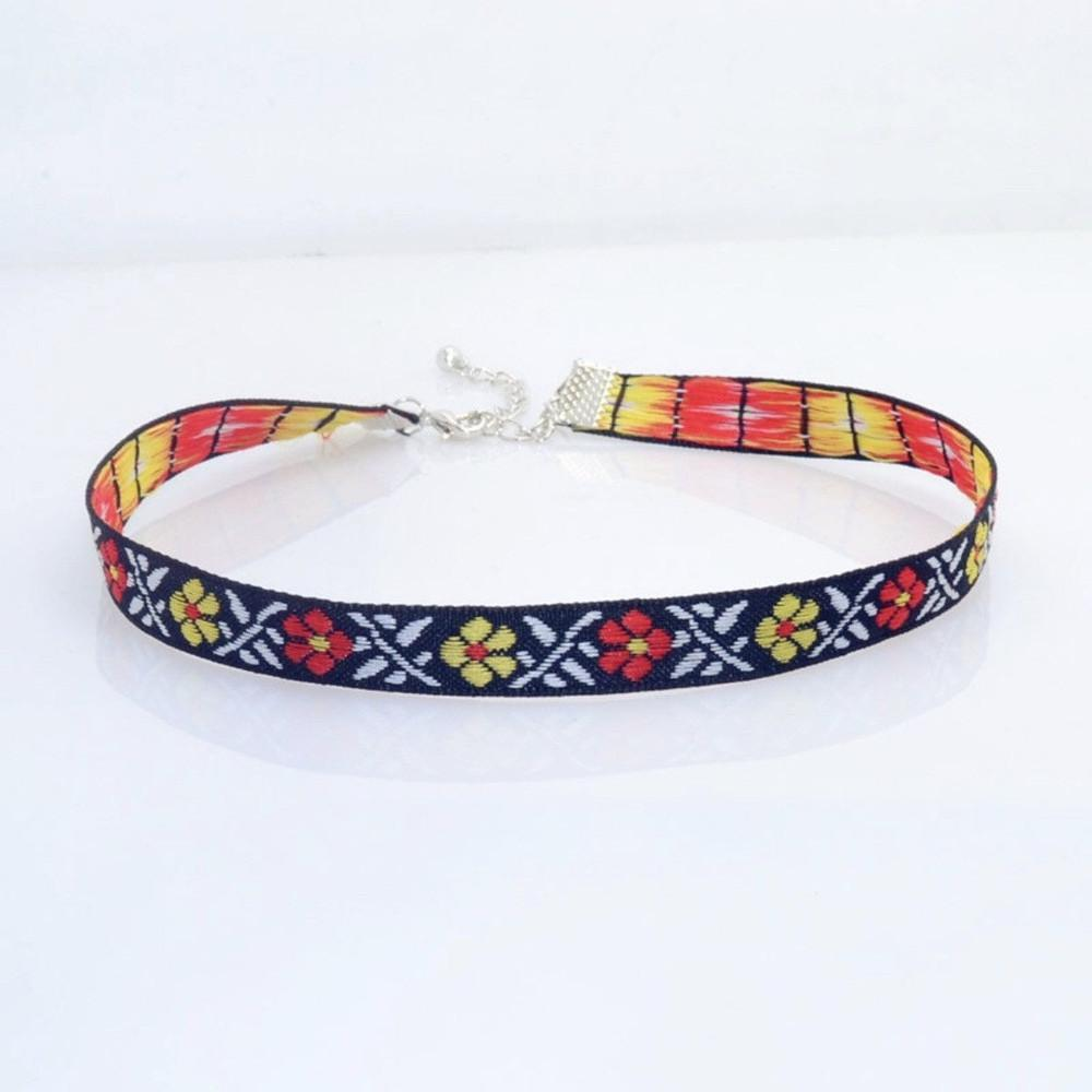 Patterned Choker