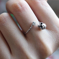 Skull and Crystal Ring