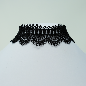Spiderwebs Choker