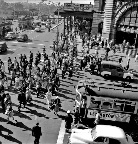 Robert Lennox Suggett - Flinders Street Station 1957