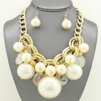 "*[N/LS]-Goldtone Statement Pearl Mix Necklace Bib Set - jewelz by julz...""The Collection!"""