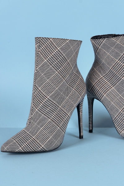 Wild Diva Lounge Glen Plaid Pointy Toe Stiletto Heeled Booties