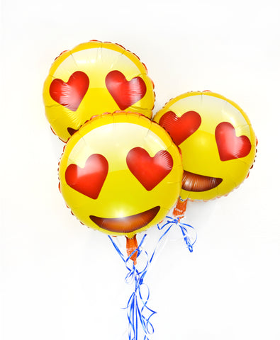 "Emoji 18"" Smiling Face with Heart Eyes Helium Balloon"
